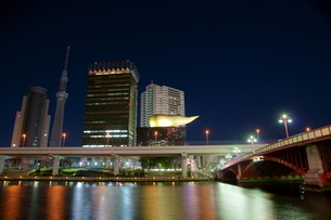 隅田川の夜景の写真素材 [FYI00138591]