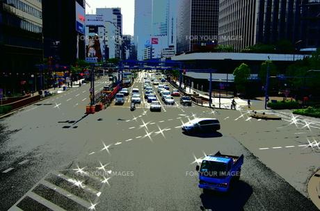 赤信号と昼下がりの交差点 青の写真素材 [FYI00140869]