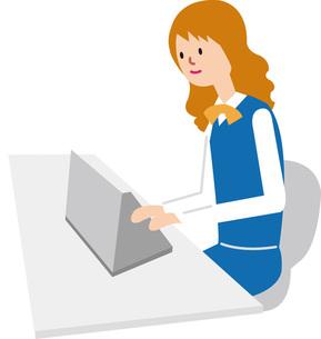 パソコンを打つ女性の写真素材 [FYI00142367]