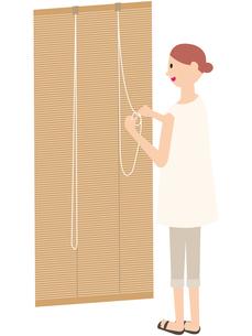 節電する女性の写真素材 [FYI00142399]