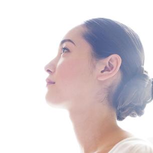若い日本人女性のビューティーイメージの写真素材 [FYI00143126]