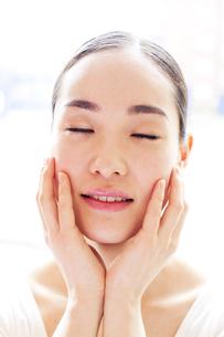 若い日本人女性のビューティーイメージの素材 [FYI00143128]