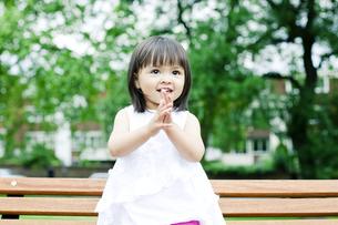 笑顔の可愛いハーフの少女の素材 [FYI00143172]