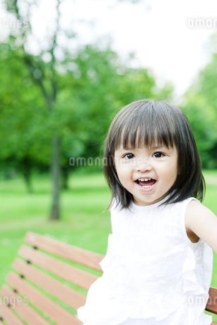 笑顔の可愛いハーフの少女の素材 [FYI00143173]