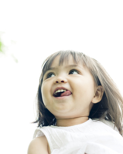 笑顔の可愛いハーフの少女の素材 [FYI00143191]