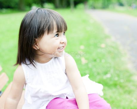 笑顔の可愛いハーフの少女の素材 [FYI00143193]
