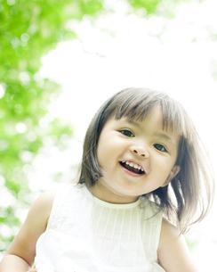 笑顔の可愛いハーフの少女の素材 [FYI00143197]