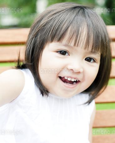 ハーフの少女のポートレートの写真素材 [FYI00143202]
