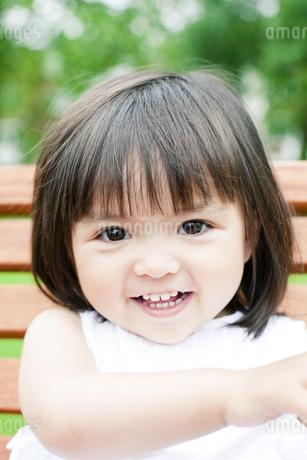 ハーフの少女のポートレートの写真素材 [FYI00143207]