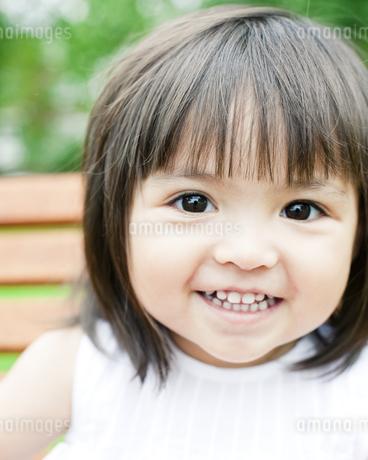 ハーフの少女のポートレートの写真素材 [FYI00143208]