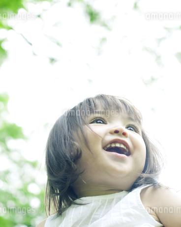 笑顔の可愛いハーフの少女の素材 [FYI00143211]
