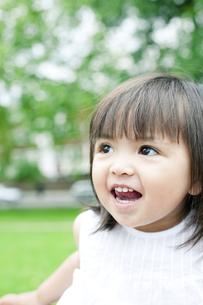 笑顔の可愛いハーフの少女の素材 [FYI00143216]