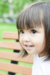笑顔の可愛いハーフの少女の素材 [FYI00143217]