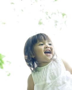 元気なハーフの少女の写真素材 [FYI00143225]