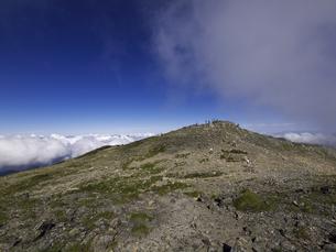 間ノ岳山頂の写真素材 [FYI00143346]