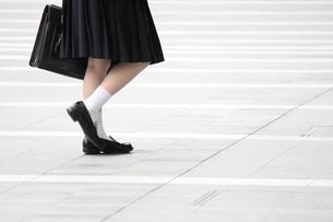 通学する女子高校生の写真素材 [FYI00143476]