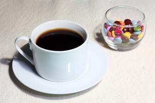 コーヒーとチョコレートの写真素材 [FYI00143543]