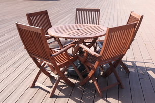 木製テーブルセットの写真素材 [FYI00143697]