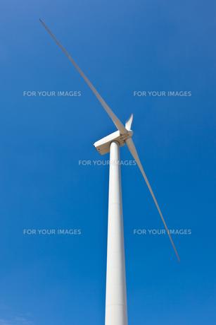 風力発電用の風車の写真素材 [FYI00144083]