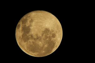 full moonの写真素材 [FYI00144355]