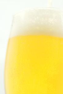ビールを注ぐの写真素材 [FYI00144389]