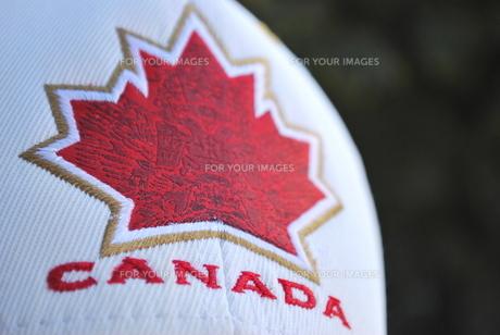 カナダ国旗と帽子の写真素材 [FYI00144941]