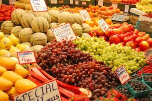 市場の果物の写真素材 [FYI00144945]