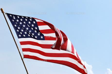 翻るアメリカ国旗の写真素材 [FYI00145038]