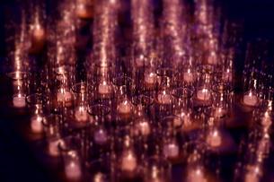 ピンクのキャンドルナイトの写真素材 [FYI00145486]