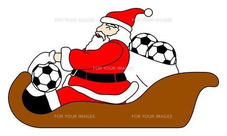 サッカーボールをプレゼントするサンタクロースの写真素材 [FYI00145618]