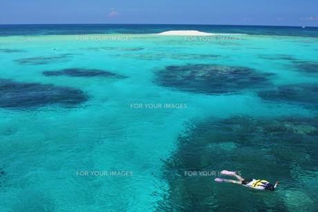 八重干瀬 バラス島の写真素材 [FYI00145808]