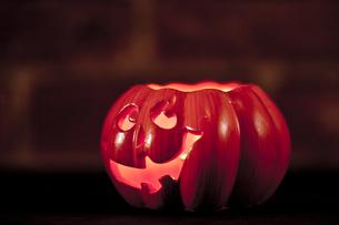 ハロウィンのかぼちゃランタンの写真素材 [FYI00146900]