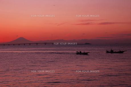 東京湾の夕焼けの写真素材 [FYI00147313]