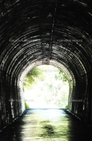 トンネルの写真素材 [FYI00147577]