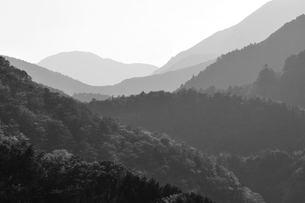 連なる稜線の写真素材 [FYI00147657]