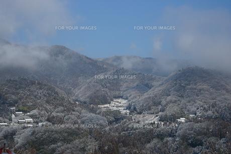 雪の山里の素材 [FYI00148291]