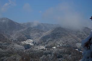 雪の山里の素材 [FYI00148307]