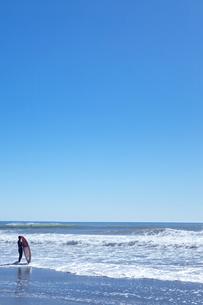 サーファーと海の写真素材 [FYI00148476]