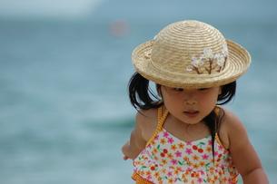 海水浴の子供の写真素材 [FYI00149230]