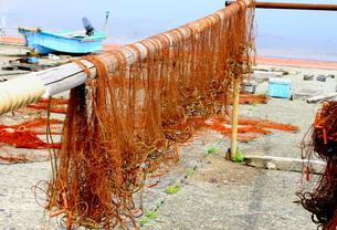 魚網干し2の写真素材 [FYI00150020]