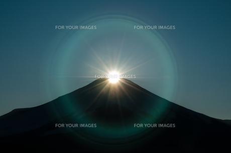後光のダイヤモンド富士の写真素材 [FYI00150205]
