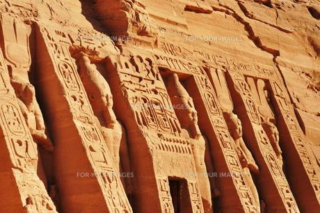 アブシンベル小神殿入口の写真素材 [FYI00152424]