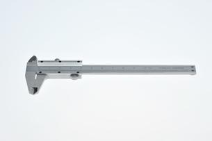 測定機器のノギスの写真素材 [FYI00152643]