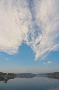 狭山湖と雲_002の素材 [FYI00153160]