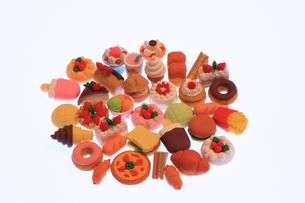 食べ物けしゴムの写真素材 [FYI00154006]