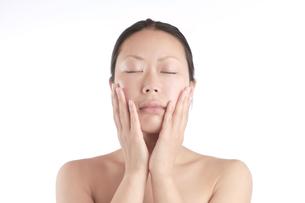 美肌の日本人女性の写真素材 [FYI00154080]