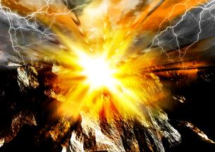 爆破シーンの写真素材 [FYI00154167]