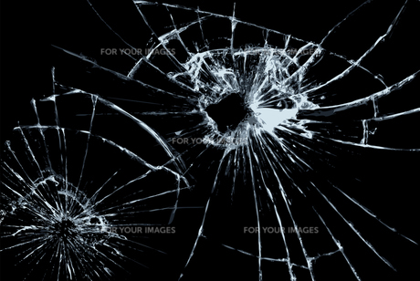 割れたガラスの写真素材 [FYI00154370]