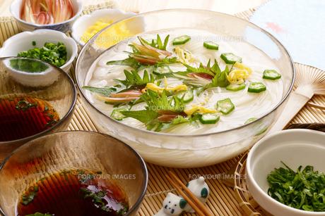 夏は素麺の写真素材 [FYI00156073]