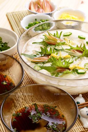 夏は素麺の写真素材 [FYI00156085]